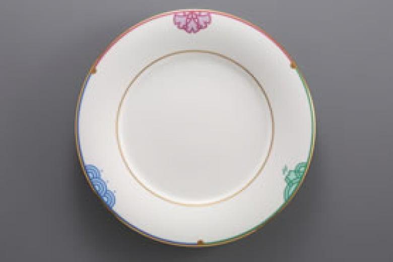 鶴田一郎さんがデザインしたお皿